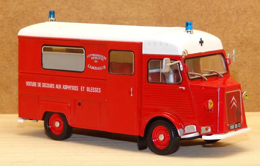 Les Plus Beaux Camions de Sapeurs-Pompiers (Hachette) - Page 2 Pomp101a