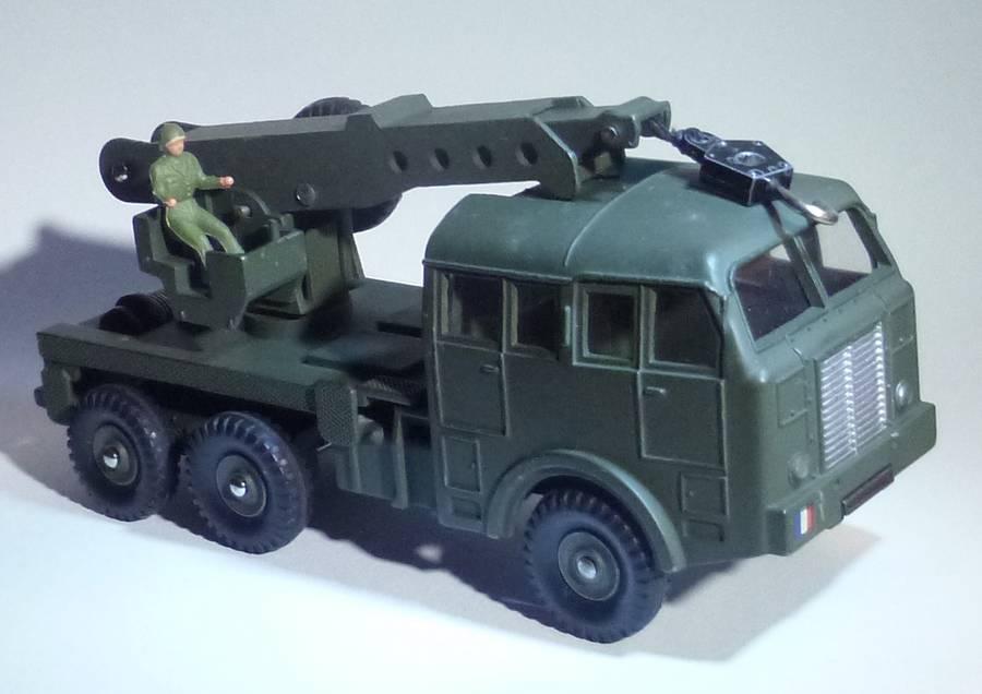 826 - Camion militaire de dépannage Berliet DTF826a