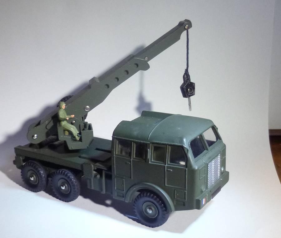 826 - Camion militaire de dépannage Berliet DTF826b